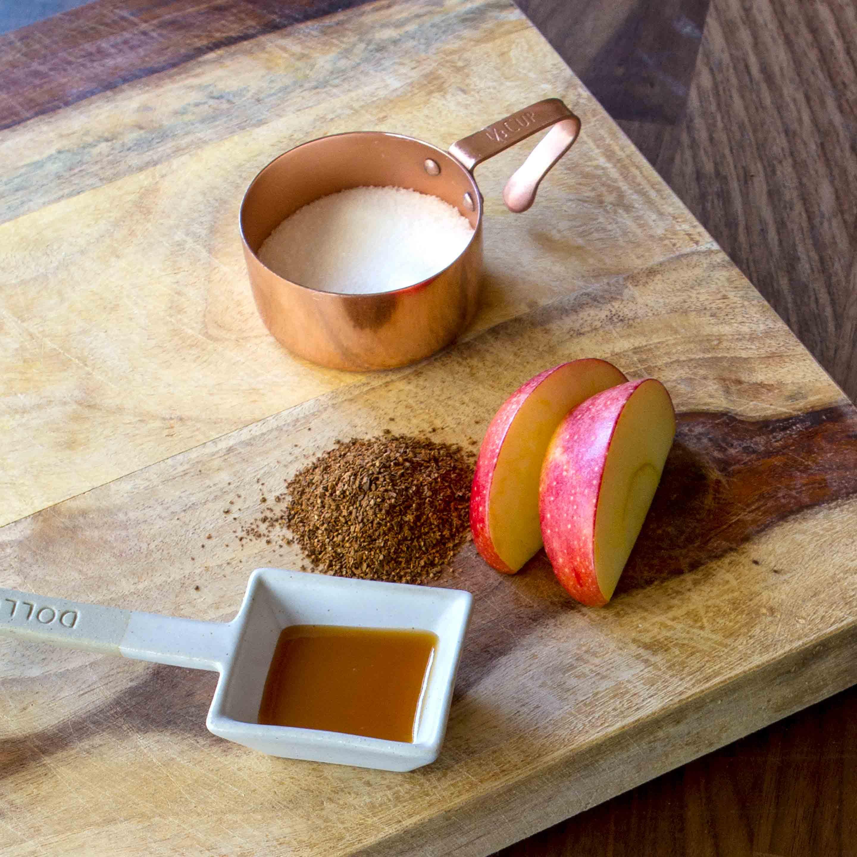 Baked Cinnamon Apple Pie Ingredient Image